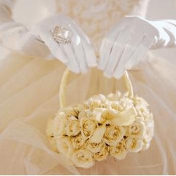 Un piccolo bouquet a borsetta di tante roselline