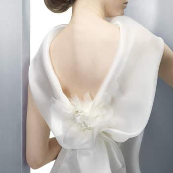 Féminin et délicat ce modèle Jesus Peiro 2012