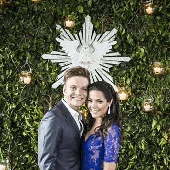 """Michel Teló e Thais Fersoza se casaram dia 15 de outubro em São Paulo. Michel e Thais disserem o """"sim"""" na casa deles, e e ela usou um vestido feito especialmente para ela, feito pela estilista Lethicia Bronstein.  Credits: Uol"""