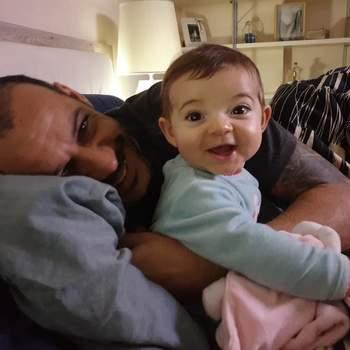 «O que é ser pai? É amar um ser mais que a si mesmo e ultrapassar qualquer barreira para proteger os filhos. Feliz dia do Pai!» | Foto reprodução Instagram @madjer_official