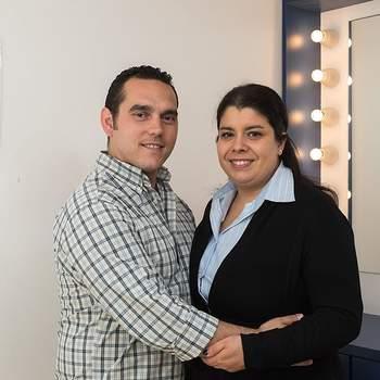 """Patrícia Alves, de 37 anos, e Nuno Santos, de 40, encontraram """"um amor para toda a vida"""" que vão celebrar com uma cerimónia civil. Ela é Assistente Dentária, ele é Motorista e são de Campo de Ourique."""