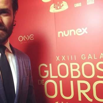 Vestido por Hugo Boss. Foto via IG @albanojeronimooficial