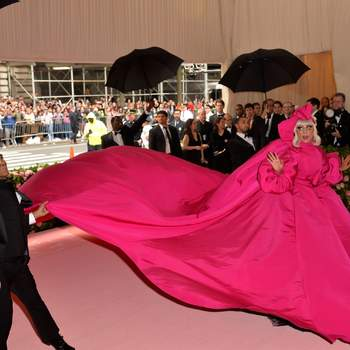 Lady Gaga de Brandon Maxwell. Credits: Cordon Press