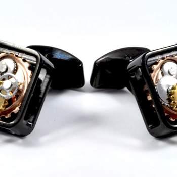 """Original gemelo en forma de mecanismo de reloj de la colección Steel. Foto: <a href=""""https://www.zankyou.es/f/gemelolandia-21113"""" target=""""_blank"""">Gemelolandia</a>"""