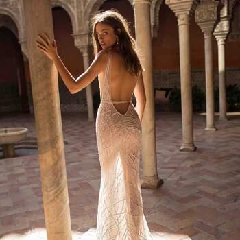 Foto: Berta Bridal   Style 18-117 Seville