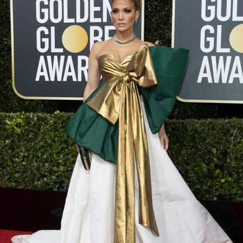 Jennifer Lopez in Valentino | Credits: Cordon Press