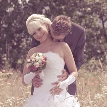 Kommentar der Fotografin: Dieses Foto ist ein wunderschöner Schnappschuss, der während eines Hochzeitsshootings entstand. Ich habe genau im richtigen Moment auf den Auslöser gedrückt.   Im Internet können Sie sich noch mehr von Frau Schrades Werken ansehen unter www.jettedesign.jimdo.com.