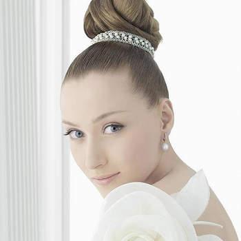 La casa de novias Rosa Clará ha lanzado su colección de joyería para novias. Fotos de Rosa Clará