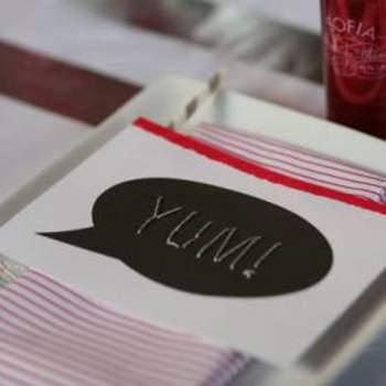 É nos pequenos pormenores que poderá personalizar a decoração do seu casamento, de modo a que se identifique verdadeiramente com o resultado final. Inspire-se nestas fotos de mesas de casamento e depois crie a sua.