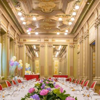 Un lugar fascinante que os cautivará por sus elegantes y majestuosos salones.