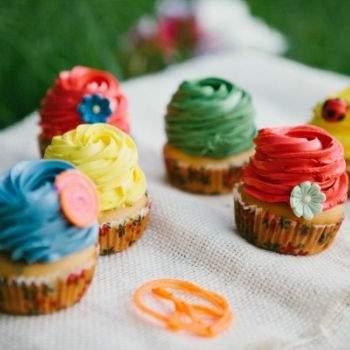 Cupcakes de colores.
