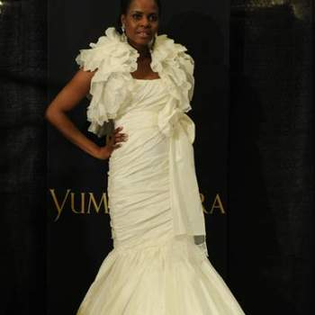 São muitos os vestidos de noiva que inspiram que tem a difícil missão de escolher traje perfeito. E com a coleção Primavera 2013 de vestidos de noiva Yumi Katsura não seria diferente! Veja os lindos modelos e inspire-se!