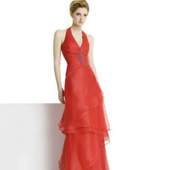 Uma das marcas 'low cost' do grupo Rosa Clará é a Alma. Disponível em muitas lojas do nosso país, a colecção Alma Fiesta 2013 apresenta soluções acessíveis para convidadas que não querem abdicar da elegância.