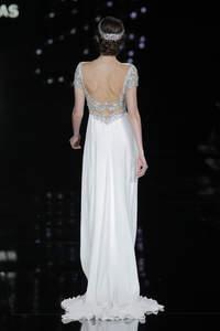 Vestidos de novia con escote a la espalda 2017