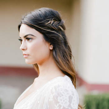 Penteado para noiva com cabelo solto | Credits: Jose Villa Photography