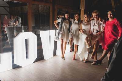 Rustykalne wesele w Iwicznie Agnieszki i Dawida. Musisz zobaczyć jej piękną suknię ślubną !