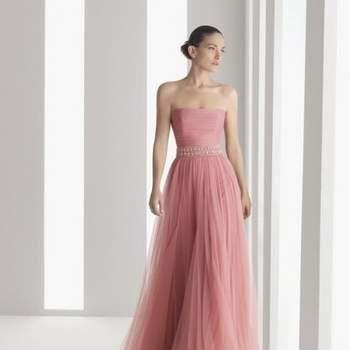 Muitas noivas preferem fugir do tradicional vestido branco, mas sem perder o toque clássico e romântico. Para isto, o rosa é perfeito. Veja estes vestidos na cor e escolha o que mais combina com você!!
