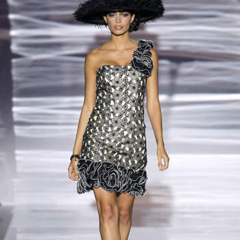 Uma colecção de vestidos muito elegante, com sugestões de looks mais clássicos e outros mais exuberantes. A cor é um dos protagonistas desta festa de elegância, assinada por Sonia Penã para as convidadas 2013.