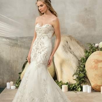 Style 2304 Cambria. Credits: Casablanca Bridal