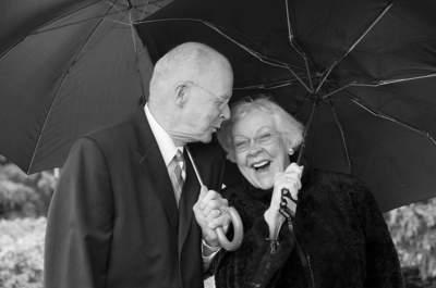 """""""Vieillir à tes côtés"""": La sublime déclaration d'amour de 12 couples totalisant 609 années de bonheur"""