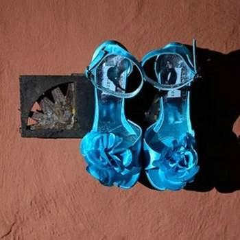 Quieres salir de lo tradicional y lucir zapatos de color! lucen fenomenales......