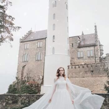 Aurora by Allure Bridals | | Style: D261 | Créditos: Disney