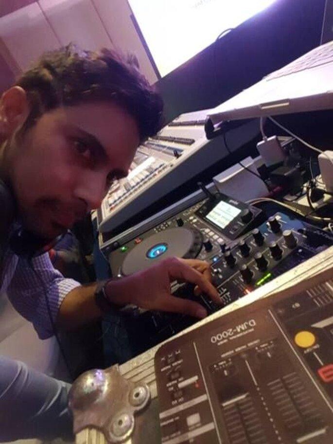 DJ Dhruv.