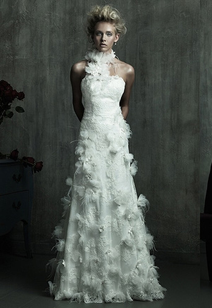 Robe de mariée à plumes Allure Bridal