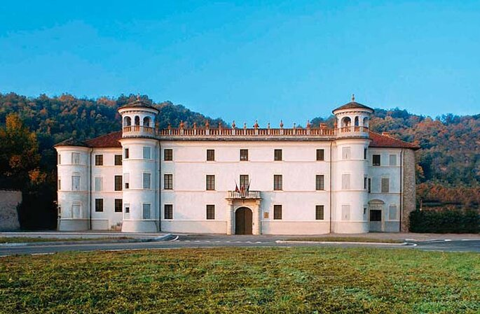 Foto via www.castelliaperti.it