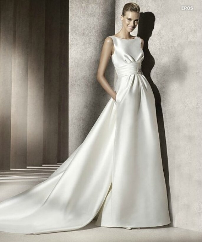 Bianco,il colore simbolo del matrimonio,per l'abito dei vostri sogni. Abito Pronovias Collezione Manuel Mota
