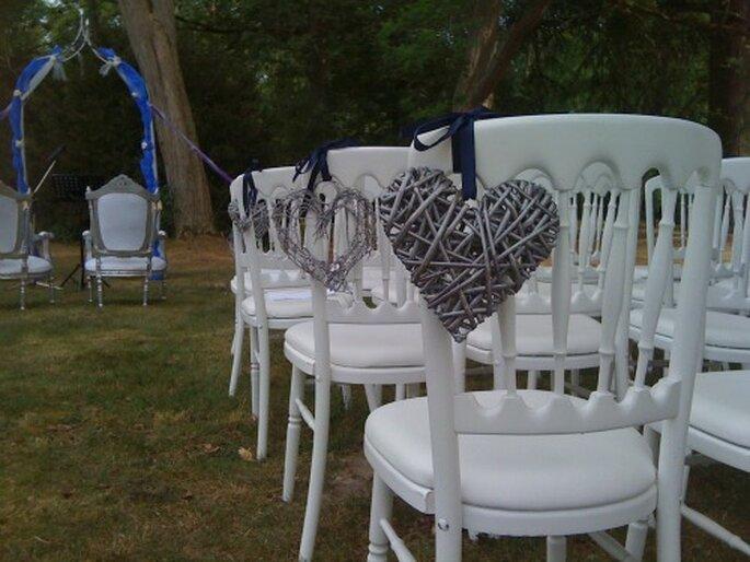 Solennité et émotion sont au rendez-vous lors des cérémonies d'engagement - Photo : 1 amour, 2 perles