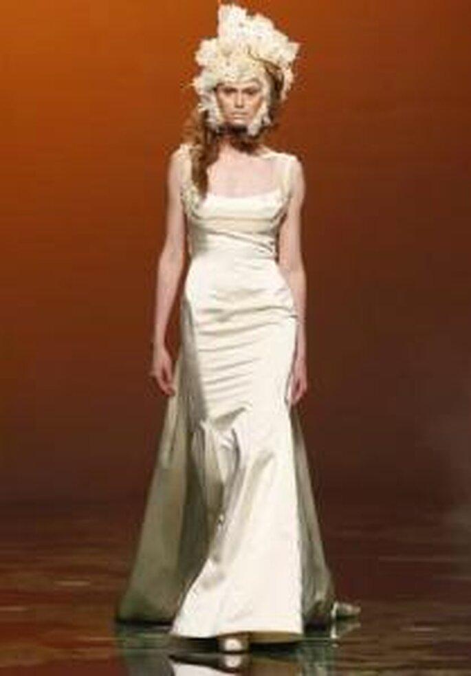 Victorio & Lucchino 2010 - Vestido largo de corte sirena, escote cuadrado