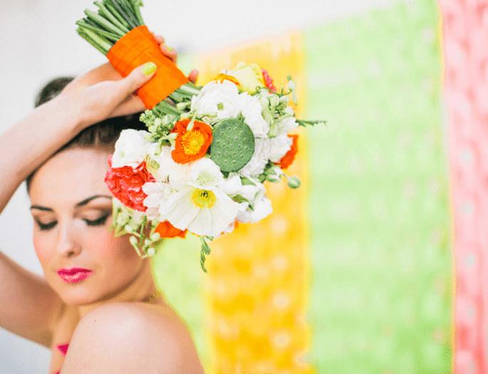 Flores en color neón para ramo de novia - Foto Cathrin D'Entremont
