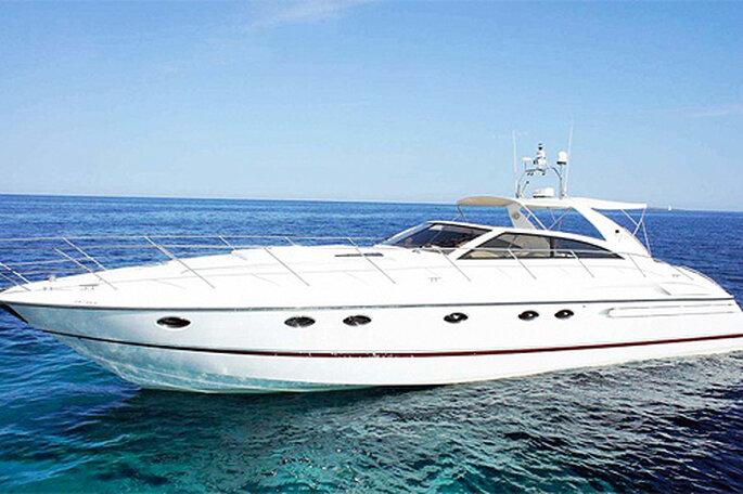 Barcoibiza noleggia yachts e barche a vela per addii al nubilato. Foto: Barcoibiza