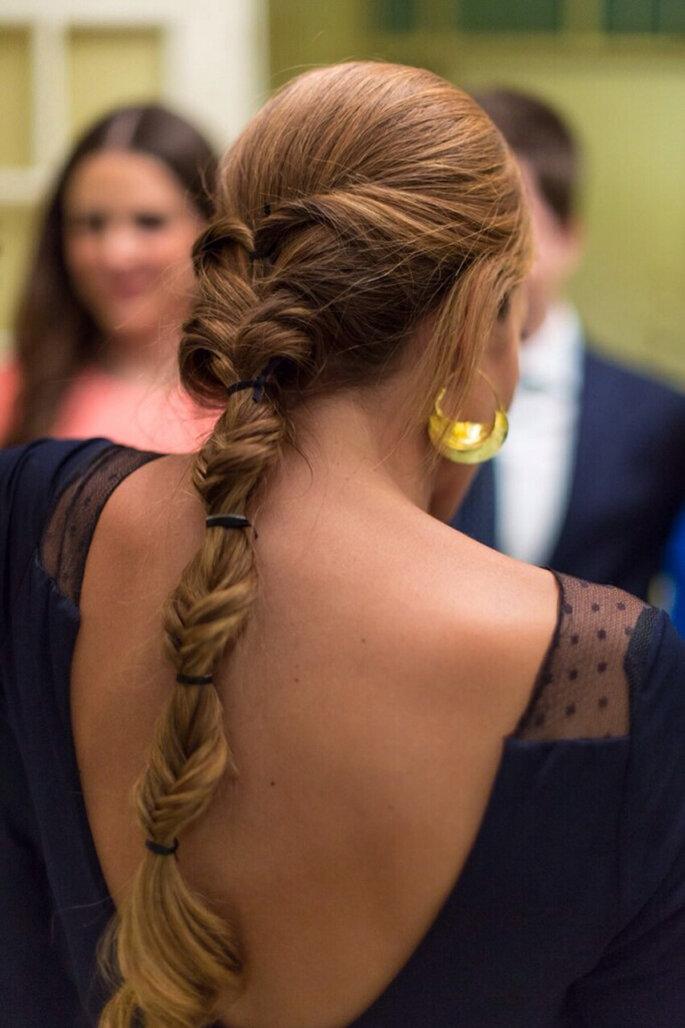 Peinado de matrimonio con trenza efecto nudo