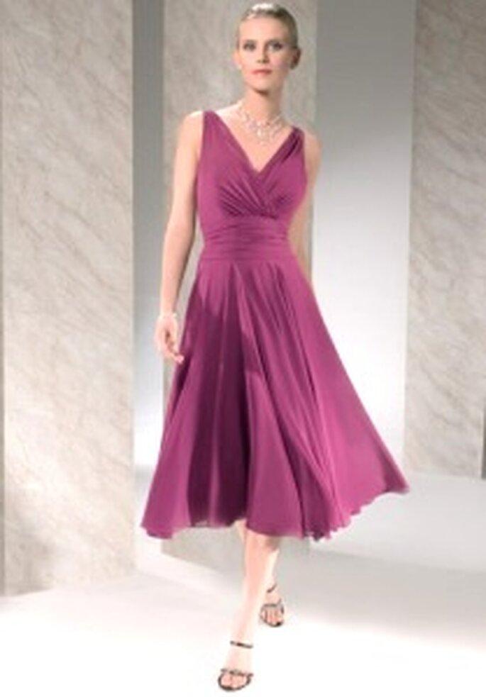 Demetrios 2009 - Robe courte en mousseline rose, décolleté en V