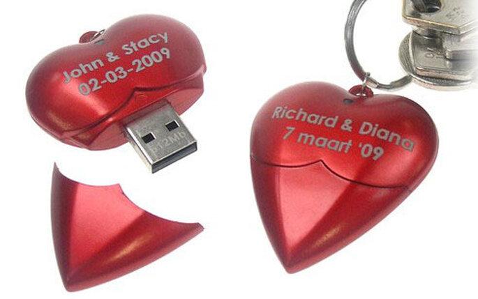 Llavero USB con forma de corazón