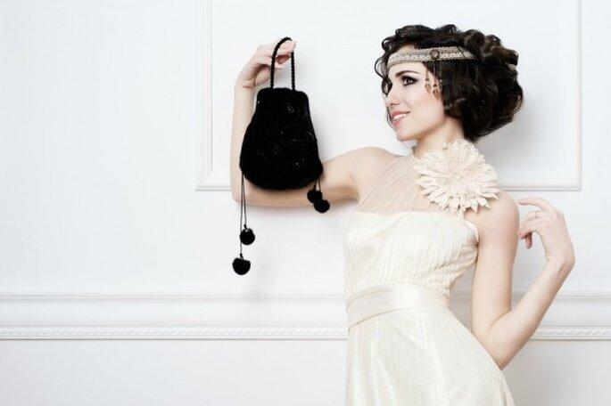 Hübsche Brautaccessoires für Ihr standesamtliches Outfit - Foto: Shutterstock
