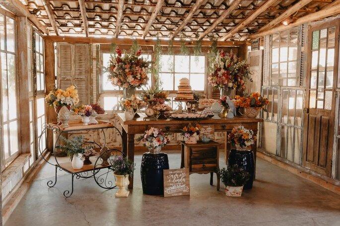 Decoração rústica e romântica da Flor Brasileira