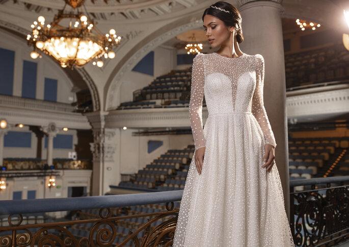 Vestido de noiva corte princesa com fabuloso trabalho de pedraria cosida à mão | Modelo Kent da Pronovias Privée 2021