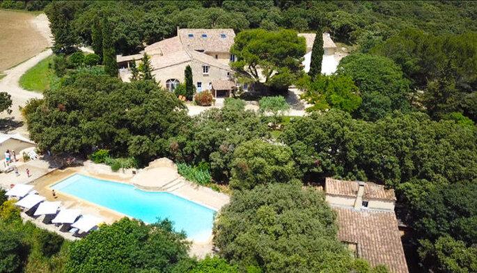 Domaine Le Grand Belly - le décor provençal au beau milieu duquel se dresse le Domaine Le Grand Belly