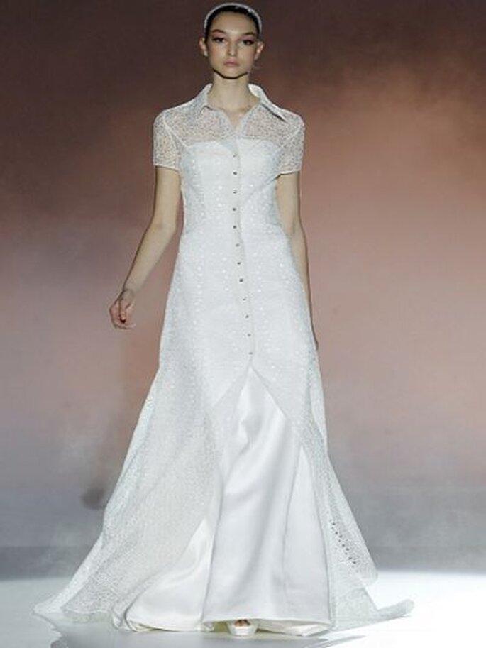 Hochzeitskleid mit kurzem Arm aus der Kollektion 2013 Rosa Clara - Foto Ugo Camera