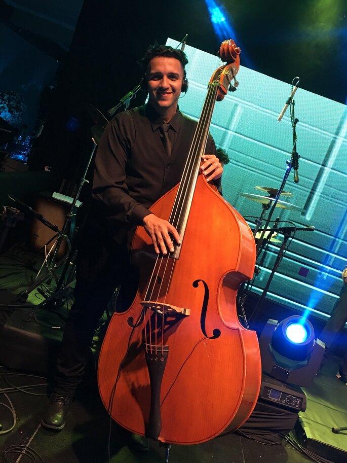 Músicos profissionais e experientes