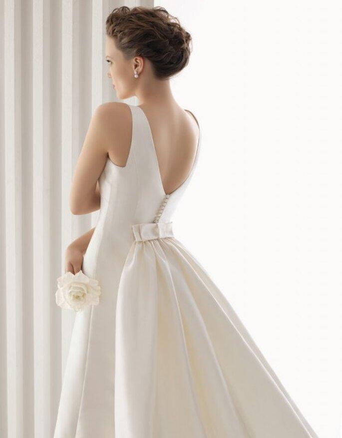Vestido de novia Rosa Clará 2012 con espalda descubierta.