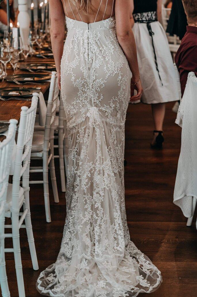 Braut von hinten fotografiert