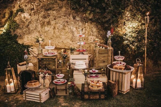 mesa de doces bolo de casamento rústico