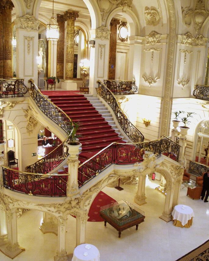 Vue de la Cour Centrale du Casino et de son escalier majestueux
