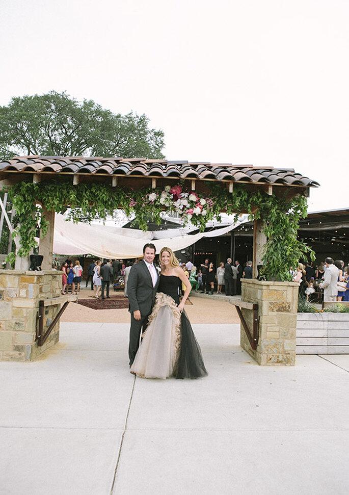 Look dos novios para o seu casamento estilo boho - Foto Brooke Schwab