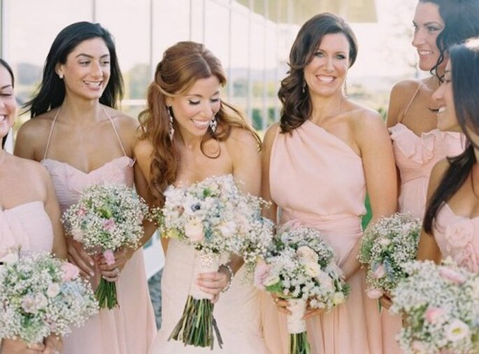 Damas de boda en vestidos color rosa de moda en 2013 - Foto Amsale Bridesmaids Facebook