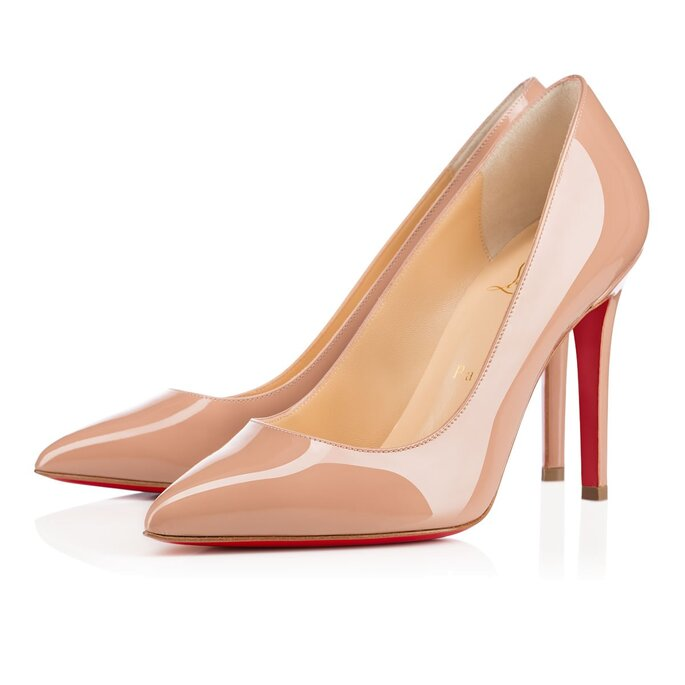 Cortesía: Christian Louboutin nude stiletto